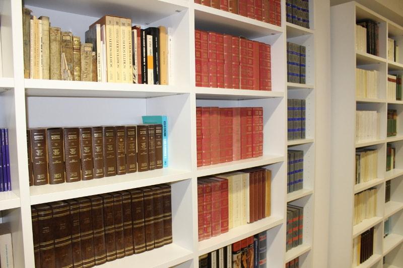 library Residenza Monte Buono